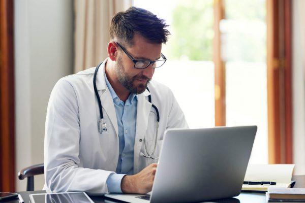 Certificado digital para profissionais da Saúde : entenda a importância e os benefícios
